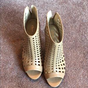 9.5 Nude Heels